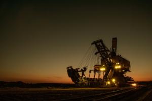 Claire-Elverum-Mining