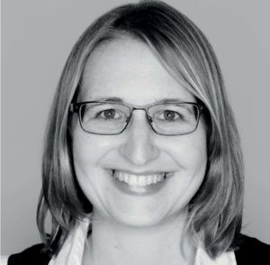Iris Hofmann headshot