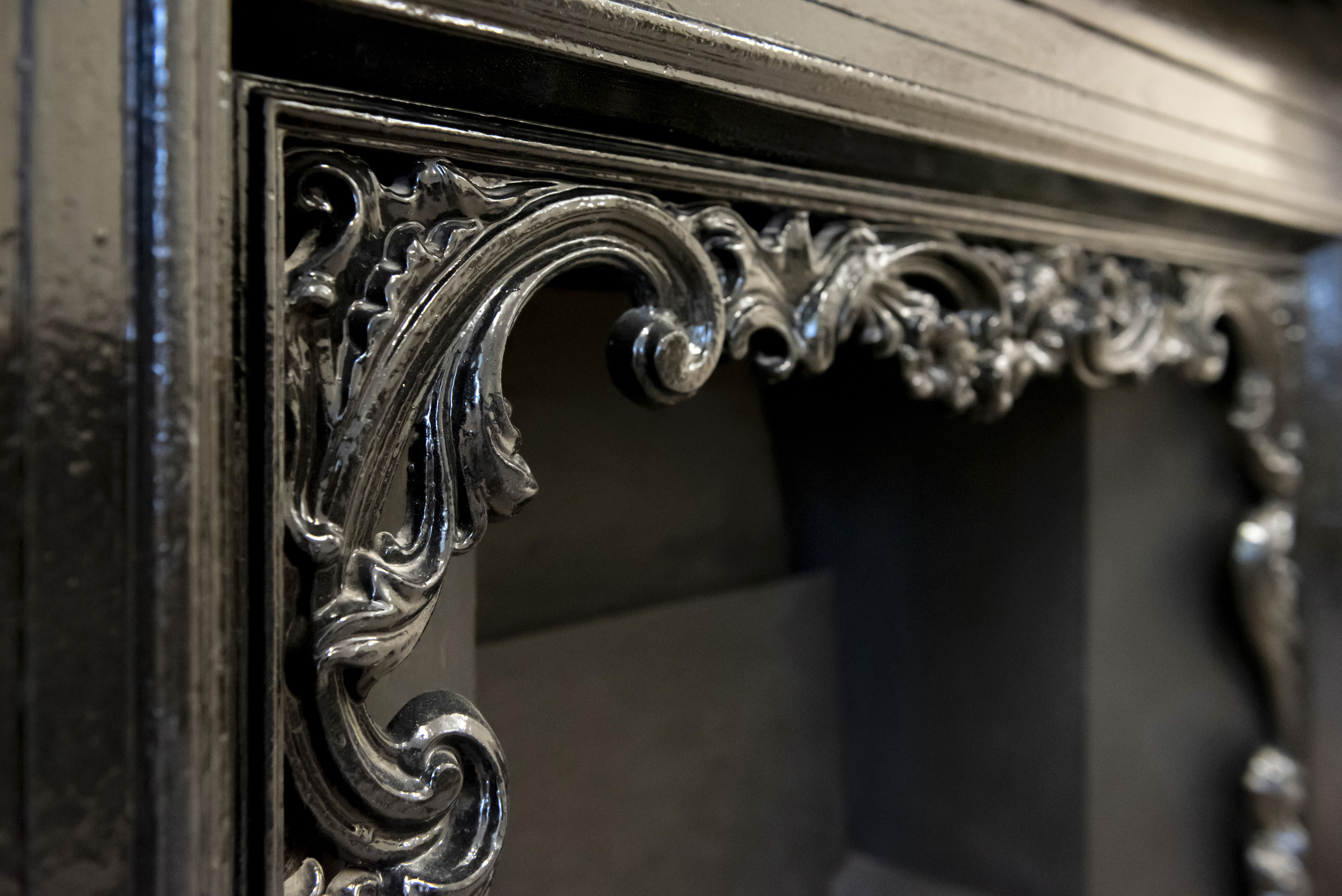LIDC fireplace detail